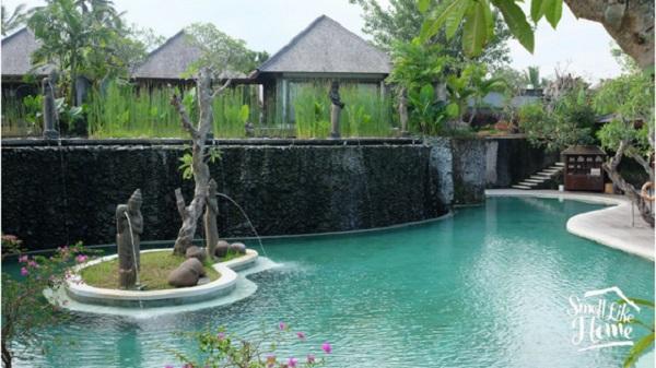 Desa Visesa Pool